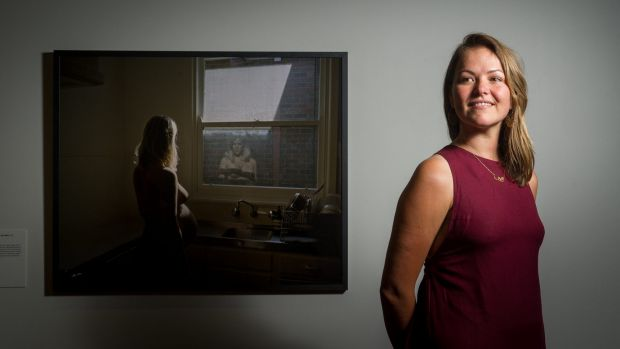 Winner of the National Photographic Portrait Prize, Alana Holmberg and her image Greta in her kitchen, 36 weeks.