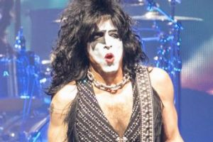 Kiss were due to start their final Australian tour next week but have been forced to cancel, due to illness.