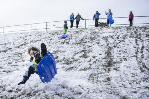 WEATHER: Snow falls in the Blue Mountains at Blackheath Oval. 4th June 2019, Photo: Wolter Peeters, The Sydney Morning ...
