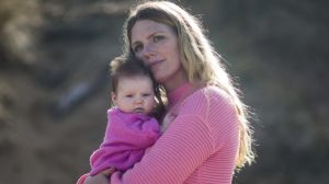 Pip Lowdon and 10-week-old daughter Frankie.