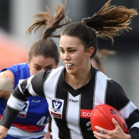 Collingwood's Chloe Molloy in action in September this year.