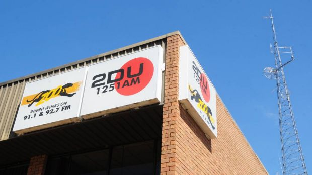 Dubbo radio stations 2DU and ZOO FM have been ordered to conduct software audits to ensure they are not breaking the law.