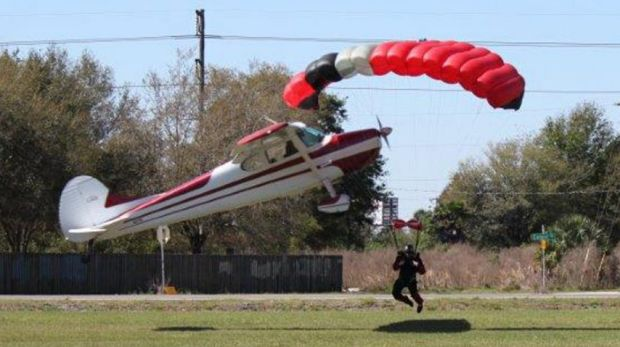 Take-off and landing:  Both pilot and jumper were hospitalised with minor injuries.