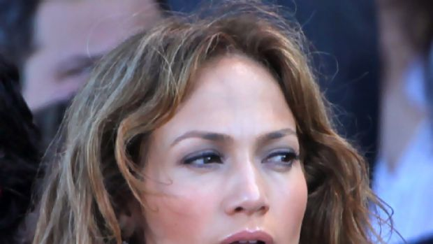 Jennifer Lopez .. wants to stop sex video being released into the public realm.