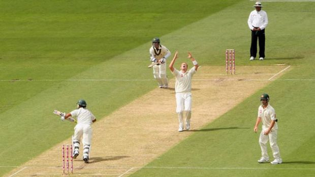 Another obe bites the dust . . . Peter Siddle can't contain his disappointment after a catch goes down yesterday.