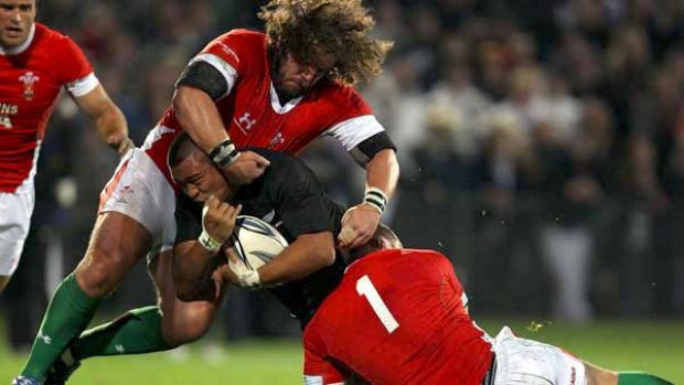 All Blacks hooker Keven Mealamu crashes over for a try.