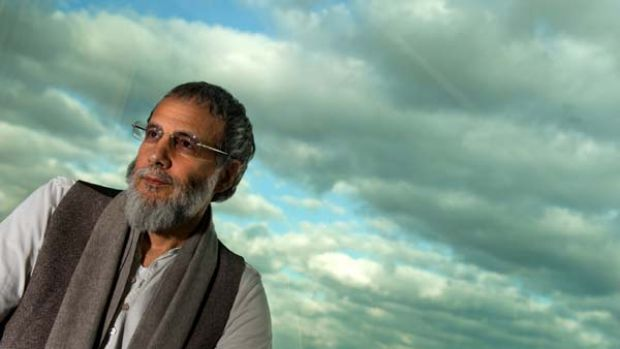Return ...  Yusuf Islam is touring with his son.