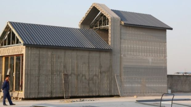 Chinese company WinSun New Materials has built simple houses using a 3D printer.