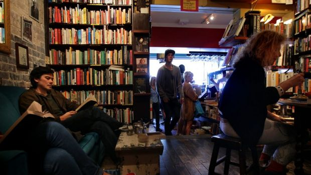 Ambience: Gertrude and Alice cafe bookstore in Bondi.