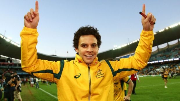 Brumbies star Matt Toomua has signed a three-year deal with the Leicester Tigers from the end of 2016.