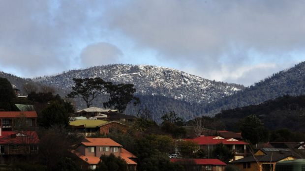 Cold weather brings snow to the Brindabella mountains, as seen from Gordon.