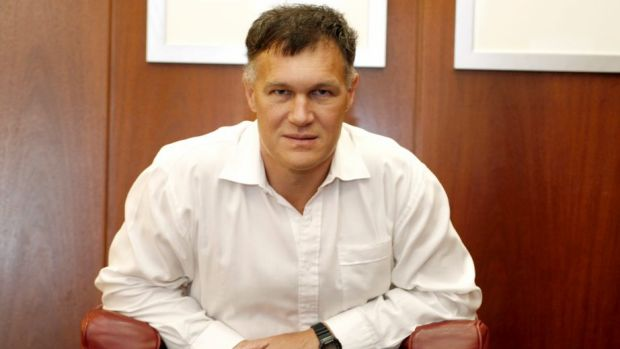 Allan Gray's managing director Simon Marais is hoping his Roc Oil campaign will trigger changes in ASX listing rules.
