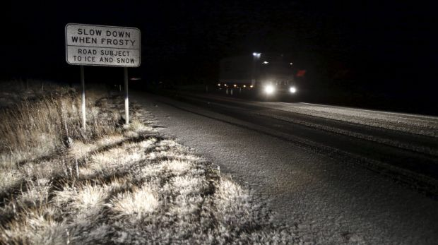 Snowfall on the Great Western Highway.